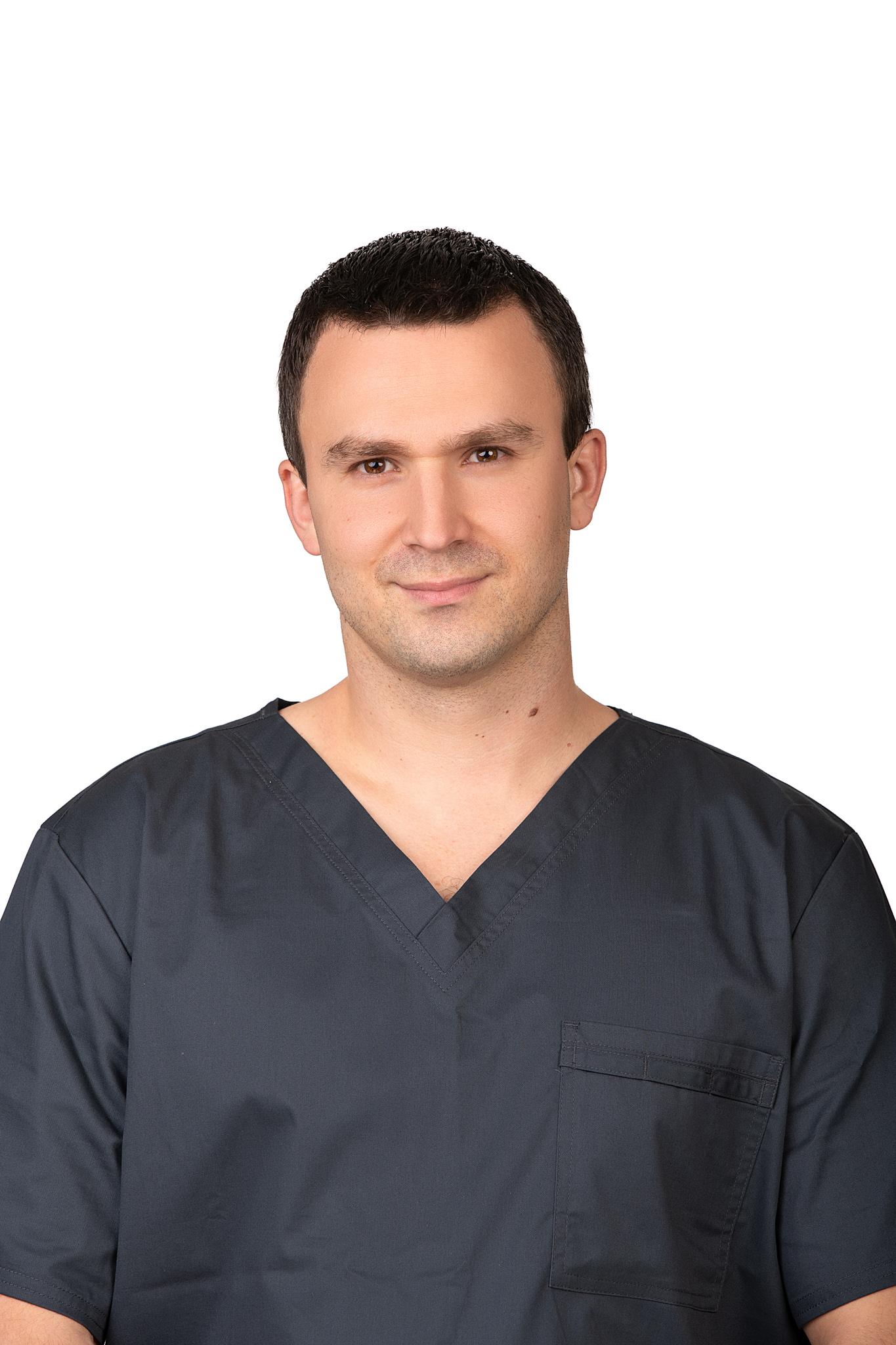 Lukas Maračinskas GYDYTOJAS ODONTOLOGAS